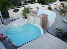 Hotel Enrichetta, hotel en Desenzano del Garda