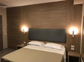 Hotel Smeraldo, hotel in Qualiano