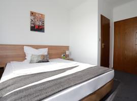 Hotel zwei&vierzig, guest house in Vallendar