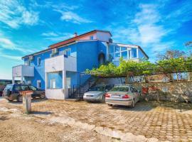 Apartments Ivo 1328, B&B in Fažana