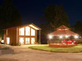 Lotus Farms (Pure Veg), spa hotel in Mahabaleshwar