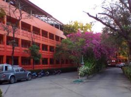 SJ Apartment Ayutthaya, отель в Аюттхае