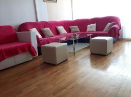 Apartment Trstenik, hotel in Split
