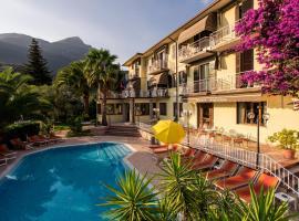 Hotel Sorriso, hotel a Toscolano Maderno