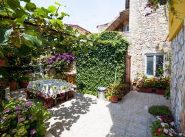 Dario Apartment by the sea, apartment in Novigrad Istria