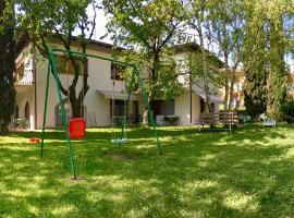 Casa Vittoria, apartment in Nago-Torbole