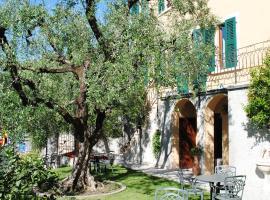 Hotel Tiziana Garnì, отель в Гарньяно