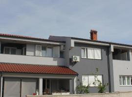 Holiday House Zaton, budget hotel in Nin