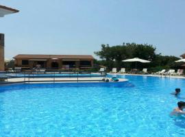 appartamento parco Kamaraton, hotel with pools in Marina di Camerota