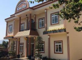 Khoa Dat Hotel, spa hotel in Di Linh