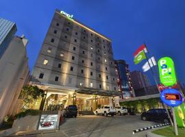 POP! Hotel Pasar Baru Jakarta, hotel near Gambir Station, Jakarta