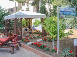 "Casa Vacanze ""Ro & Se"" a Palinuro IT Bandiera Blu anche per il 2020, budget hotel in Palinuro"