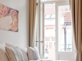 Bear Fountain Residence – hotel w pobliżu miejsca Tańczący dom w Pradze