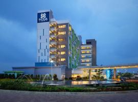 BATIQA Hotel & Apartments Karawang, hotel in Karawang