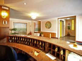 Hotel Cristal, отель в Бари