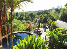 Nanga Damai Homestay, hotel with pools in Santubong