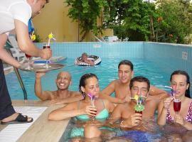 Aysev Hotel, отель в городе Аланья