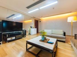 Duowei Apartment Hotel, apartment in Shenzhen