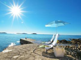 Beach Apartments Tina, luxury hotel in Rogoznica