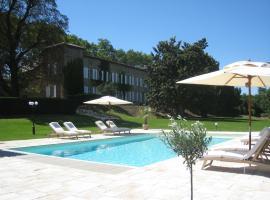 Domaine des Buis, hotel in Albon