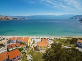 Apartments Capic Niko, self catering accommodation in Baška