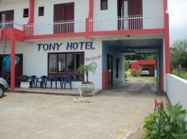 Tony Hotel, hotel near Torres Bus Station, Torres