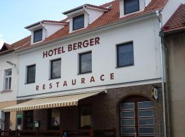 Hotel Berger, hotel in Kamenice nad Lipou