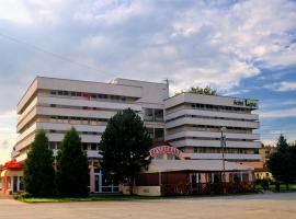 Hotel Lipa – hotel w pobliżu miejsca Wyciąg narciarski Białasówka w Czadcy