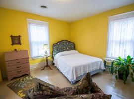 The Dailey Renewal Retreat B & B, vacation rental in Greensboro