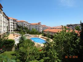 Triumph Holiday Village, hotel near Dinevi Marina, Sveti Vlas