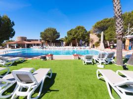 azuLine Club Cala Martina Ibiza, hotel u gradu Es Kana