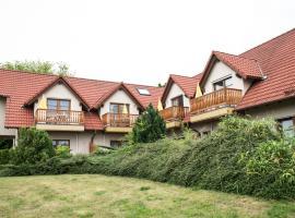 Ferienwohnanlage Schwabe mit Schwimmbad, Hotel in Rerik