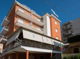 Hotel Lorenzo, hotell i Celle Ligure