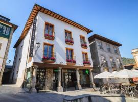 Plaza Mayor, hotel en Villafranca del Bierzo