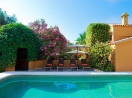 Family hotel Al- Ana Marbella and Golf Villa, hotel dicht bij: Golfbaan Estepona Golf, Estepona