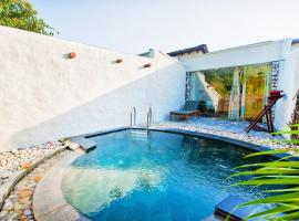 Paatlidun Safari Lodge, Jim Corbett, luxury hotel in Garjia