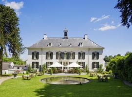 Bilderberg Kasteel Vaalsbroek, hotel with pools in Vaals