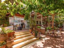 Nikos Hotel, family hotel in Matala