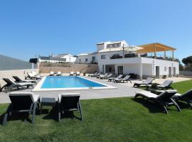 Sunfield Guest House, hotel in Albufeira
