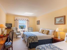 Butler Arms Hotel, hotel near Staigue Stone Fort, Waterville