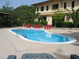 Hotel Chiar Di Luna, hotel in Laino Borgo