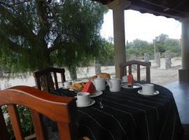 Los Colorados Hostal, homestay in Angastaco