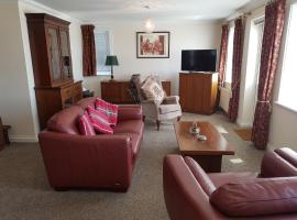1 Derby Court Castletown, apartment in Castletown