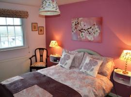 The Little Elbow Room, hotel near Totnes Castle, Totnes