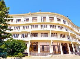 Blue Sevan Hotel, hotel in Sevan