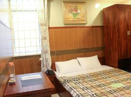 Hy Vong Hotel, hotel near Giang Dien Waterfall Tourist Site, Ho Chi Minh City