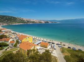 Apartments Capic Marin, self catering accommodation in Baška