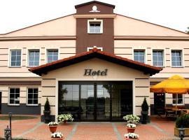 Hotel Stajnia Wolica, hotel near Winiary Arena, Wolica