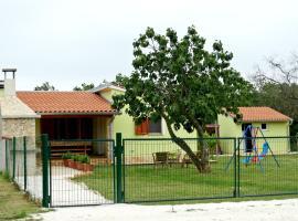 Kuća Renata, hotel near Pula Airport - PUY,
