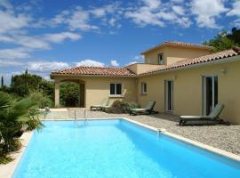 Luxurious Villa with Private Pool in Les Vans, hotel in Les Vans
